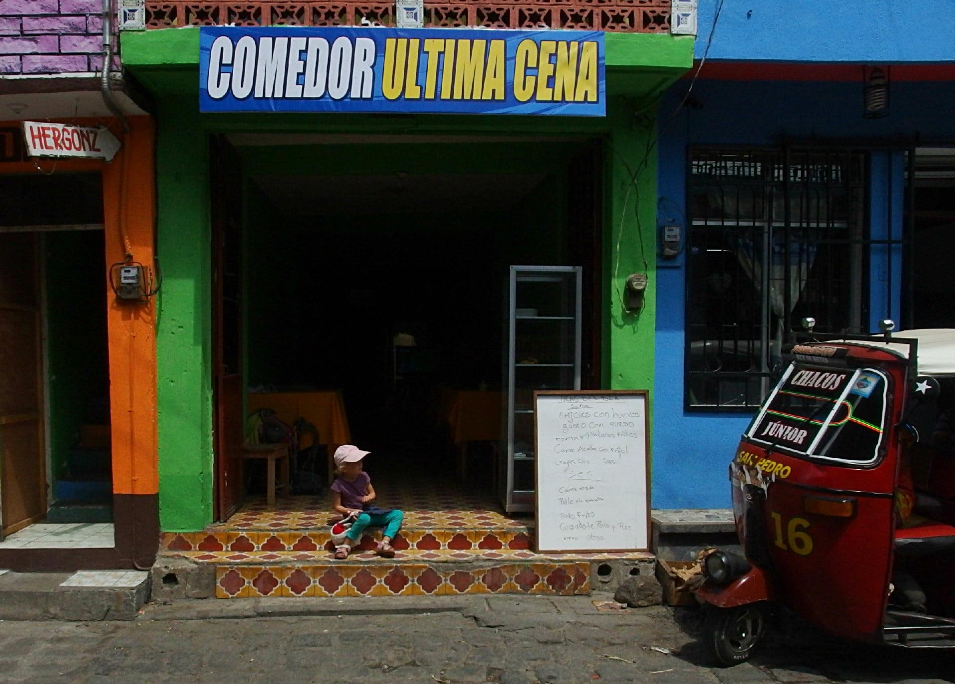 Comedor, czyli uliczna najpopularniejsza garkuchnia, w której stołują sie lokalni mieszkańcy. Panie tam pracujące mają olbrzymie serca.