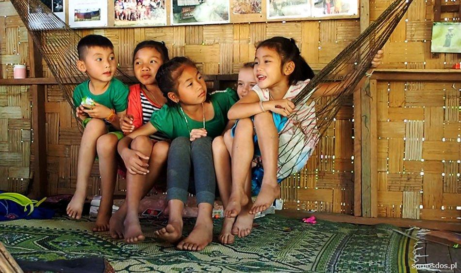 Dzieci w Laosie