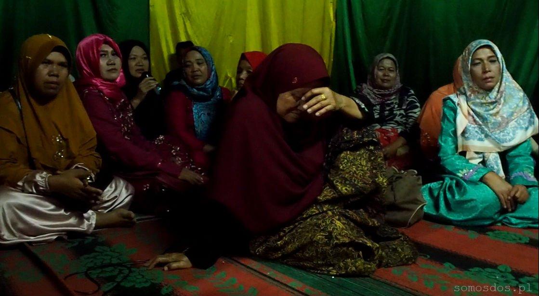 Batak women wedding sumatra indonesia