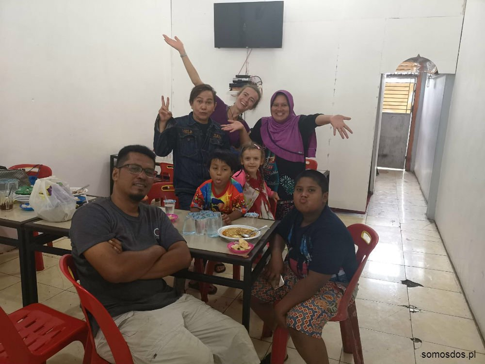 family, indonesia sumatra