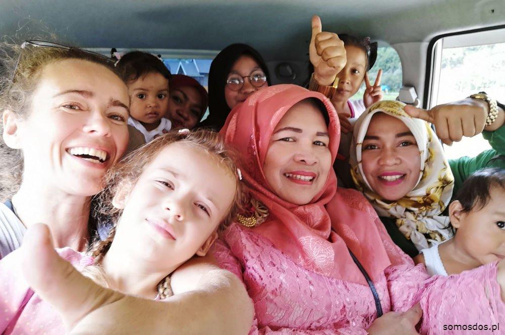 harau autostop hitchiking indonezja