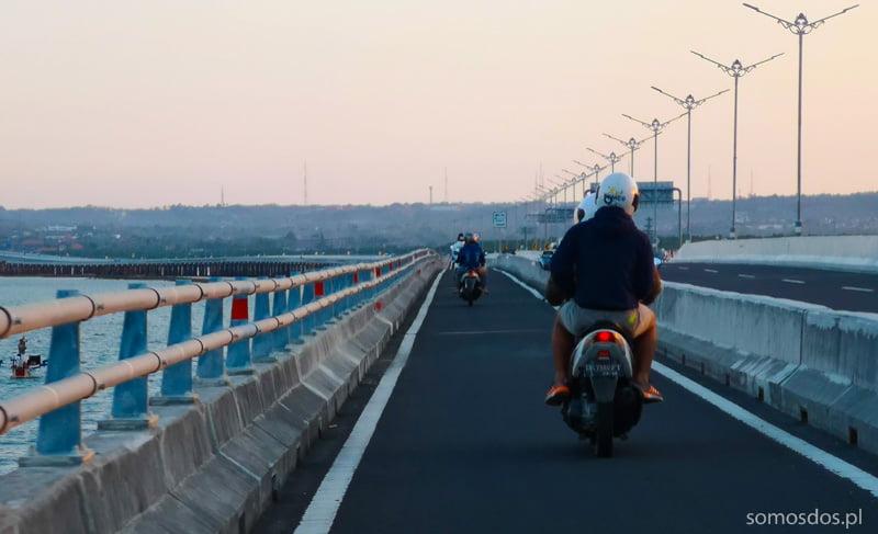 Autostrada dla motorów, południowe Bali, Indonezja