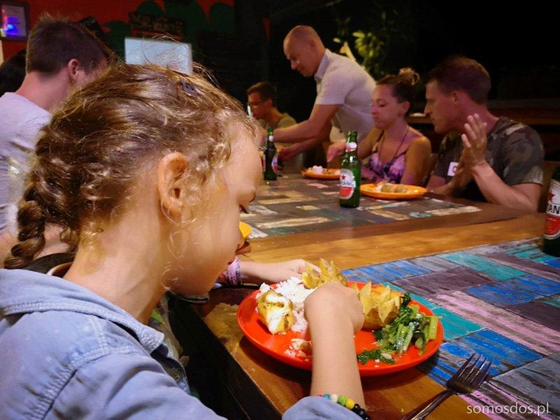Jedzenie rękami, Indonezja