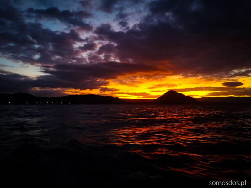 wulkan Taal sunset