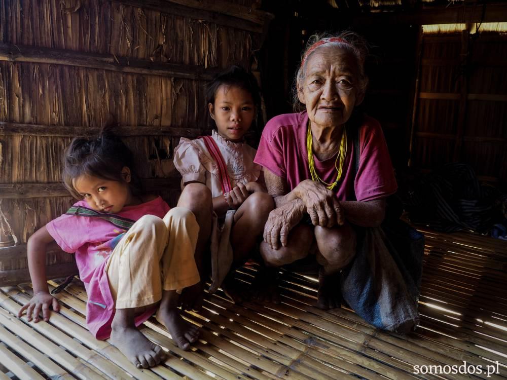 mangyan's old  woman , baye Ingan z dziewczynkami