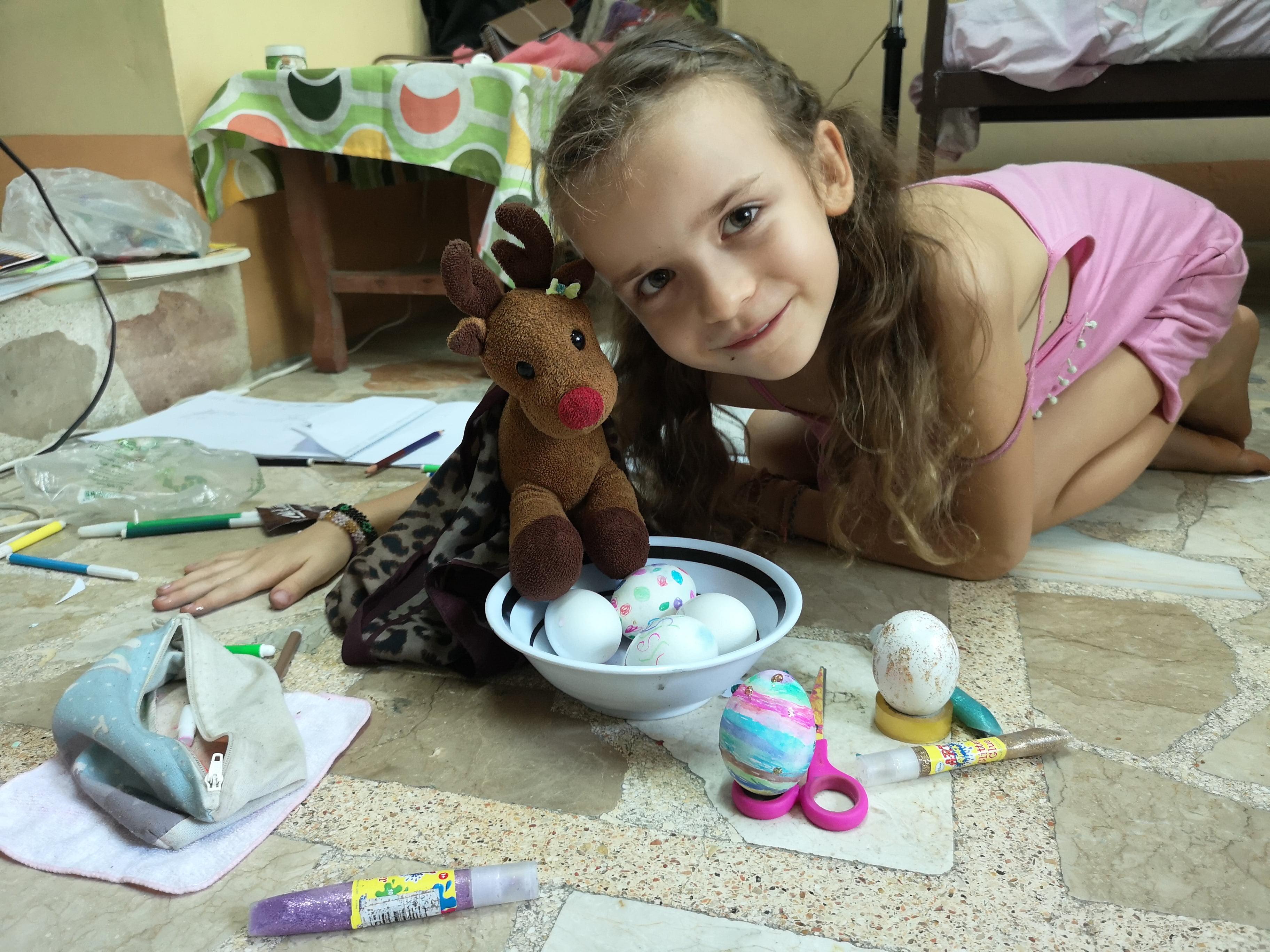 Gaja maluje pisanki