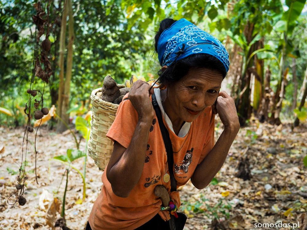 Mangyan woman carrying casava Gayunggong
