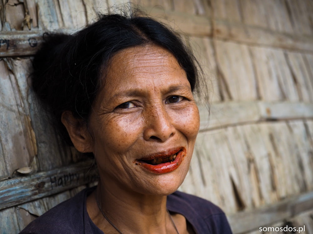 woman chewing betel