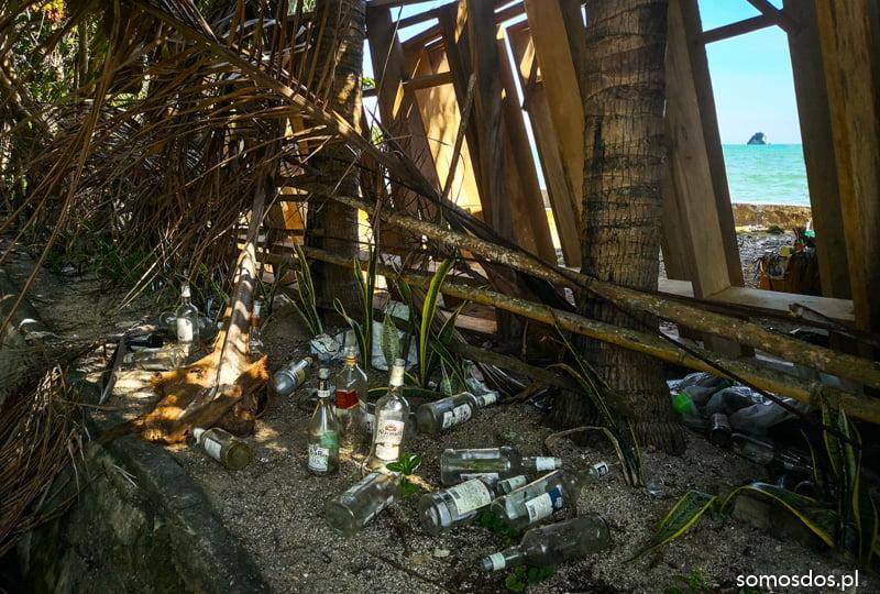 Padre Burgos beach trash