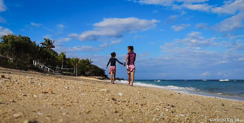 idziemy plażą