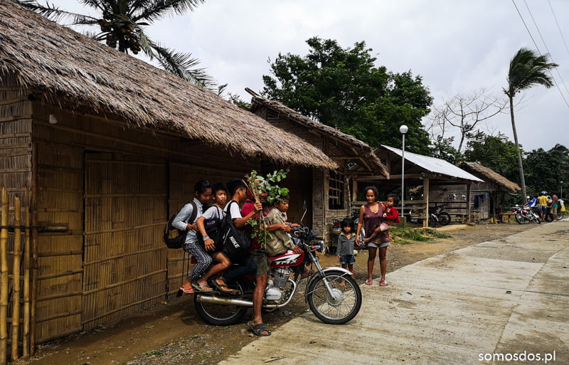 mangyan's going to the school