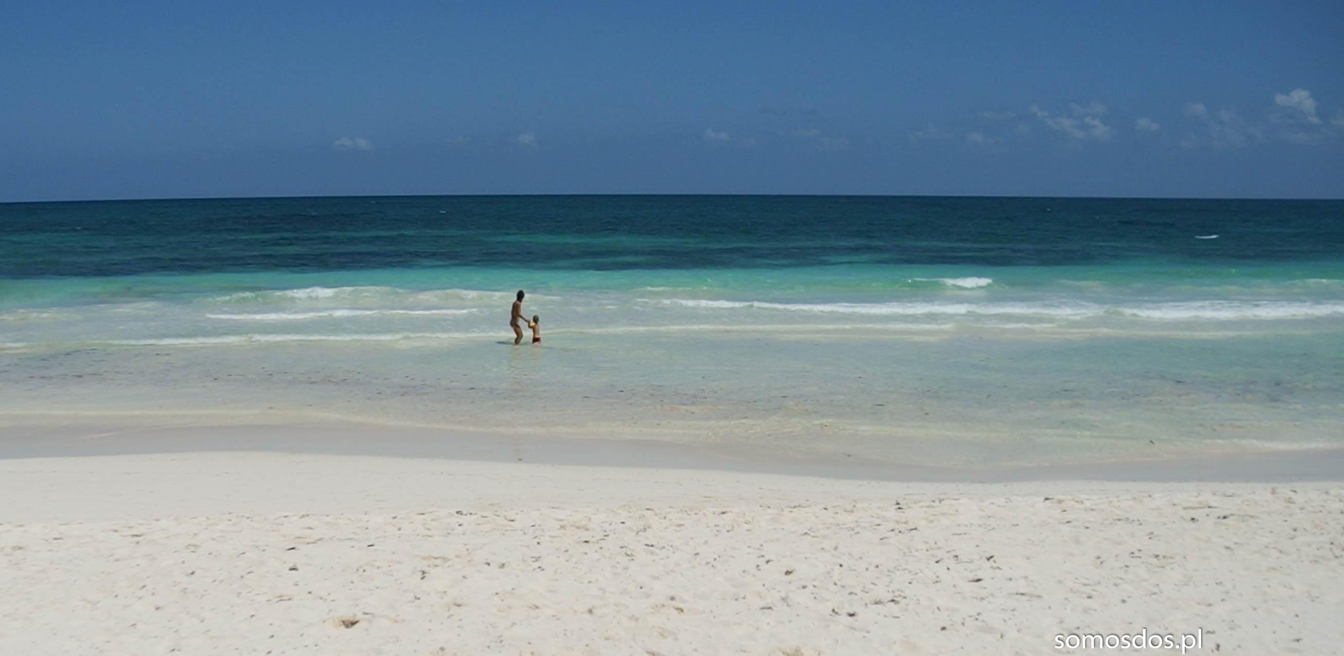 Meksyk. Kąpiel w morzu.